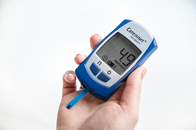 Jak vybrat glukometr - rady a srovnání