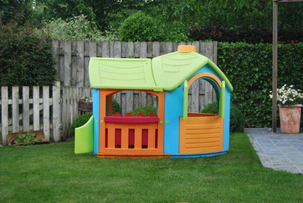 Plastový domek pro děti