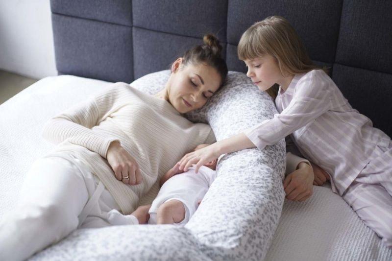 Nejlepší kojící a těhotenské polštáře recenze a rady jak vybrat